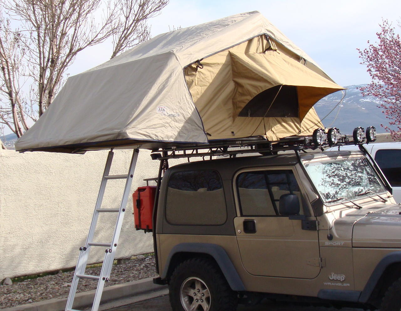 roof top tent for sale in pakistan